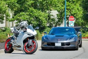 899 Panigale Vs Grand Sport by SeanTheCarSpotter