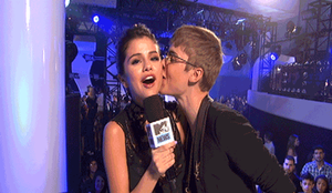 Justin Bieber and Selena Gomez by LoreEdition