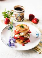 Pancakes with strawberries by FiorOf