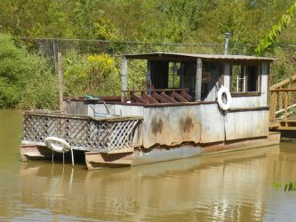 houseboat by robhas1left