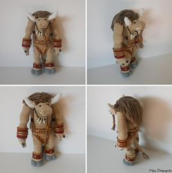 World of Warcraft Tauren - Amigurumi by missdolkapots