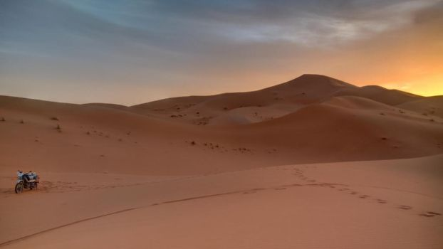 Sunrise in Erg Chebbi, Morocco by Hermes-Honshappo