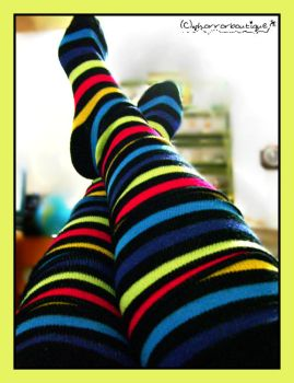 colorful feet by horrorboutique