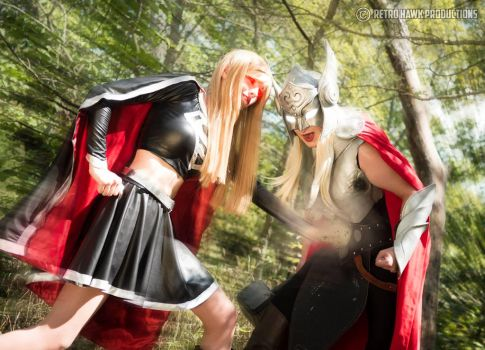 Thor vs Supergirl by MimiruCosplayDiary