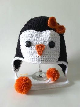 Penguin hat by CeciliaSal