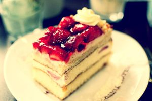 Strawberry Gateau time by MajDesign