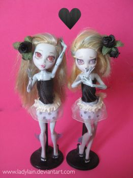 Lagoona Twins Repaint by LaDyLaIn