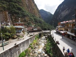 Urubamba River in Aguas Calientes by kamuidestiny