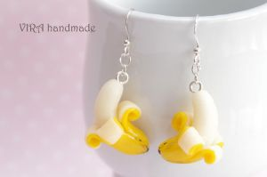 Cute banana earrings by virahandmade