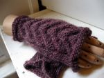 Artemis knit handwarmers hazy mauve by Moonthrall