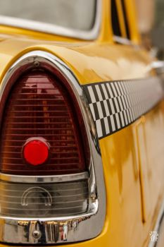 Yellow cab by sylvaincollet