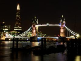 London at night by CeaSanddorn