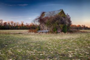 Abondoned house by arnaudperret