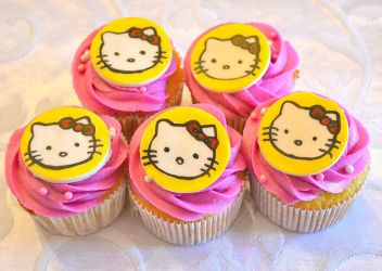 Hello Kitty Cupcakes by the-hermit-crab