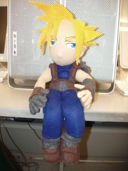 Cloud Strife by plushabilities