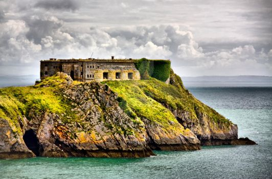 St Catherines Island Tenby by welshbeck