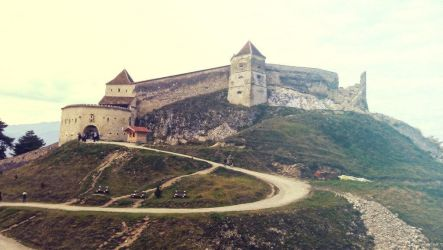 Castle in Romania by Mottcalem