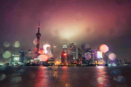 Typhoon at The Bund by phlezk