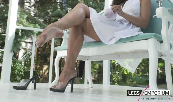 Legs Goddess, Bare Foot, Heels, and Crossed Les by LegsEmporium