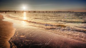 I sat by the ocean... by Ditze