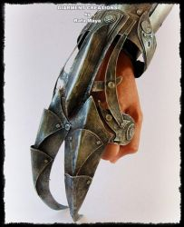 Steampunk Claw Hand by Diarment