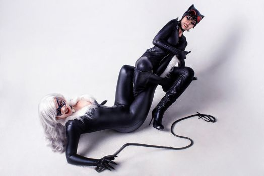 Black Cat vs Catwoman cosplay 4 by TinOmenOgre
