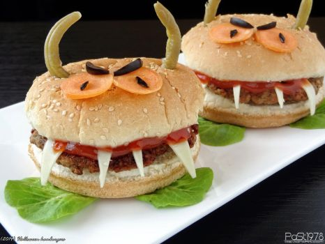Halloween hamburgers by PaSt1978