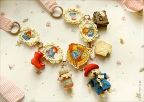Paddington Bear Necklace by allim-lip