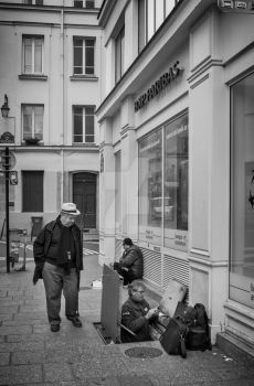 Rue Pavee by volkanersoy