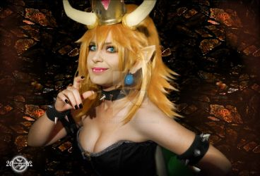 Bowsette cosplay by 20Tourniquet02