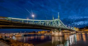 Budapest 3 by wolfgangbuhr