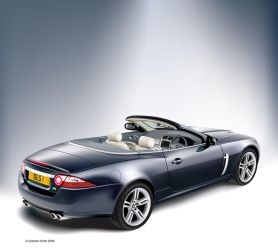 Jaguar XK8 by yeahbutnobut