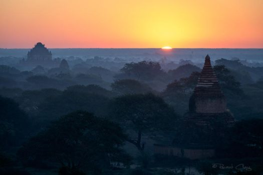 .:Old Bagan Sunrise:. by RHCheng