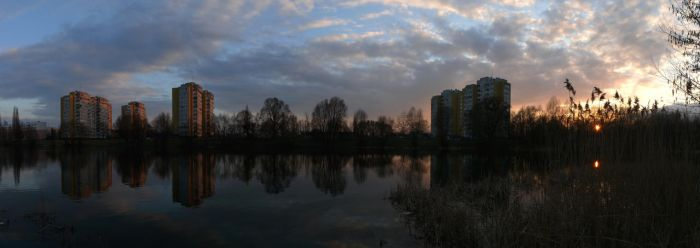 Cloudy evening by the Odra river by wesoly-romek