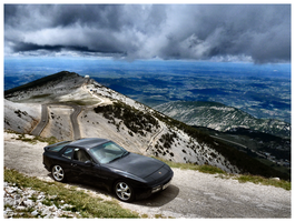 Mont Ventoux - the cloudy road by tezzan