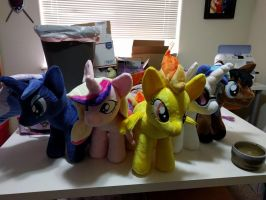 Assorted one foot ponies by Bladespark