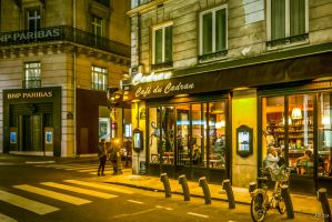 scene nocturne in Paris by Rikitza