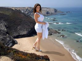 Giant Denise Milani in beach by bcgfdfshggd