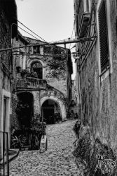 Alley BW_HDR by Th3Viking