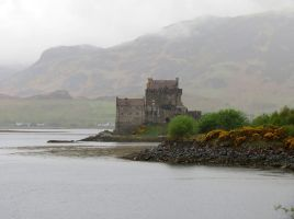 Eilean Donan Castle in the Mist by kaikaku