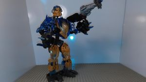 Onua Combiner of Earth (robot mode) by sideshowOfMadness