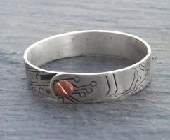 silver circuit ring by thebluekraken