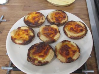Cheese tarts by Sia-the-Mawile