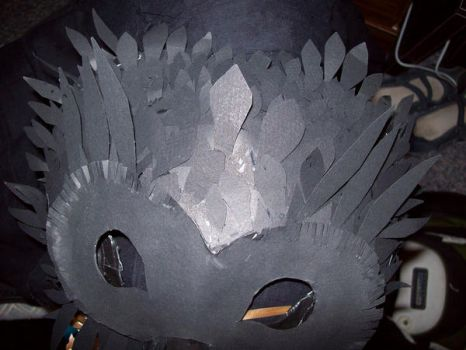 crow mask, top detail by lhinelle
