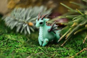 Ball-jointed dragon - light turquoise by dallia-art