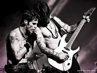 Perry Farrell and Dave Navarro by meowhouse