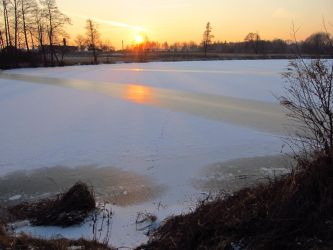 Sunset Pond by wojtekkowalski58