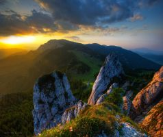 Mountain Sunset by borda