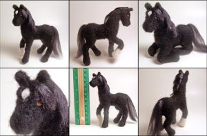 Needle felted horse by SnowFox102