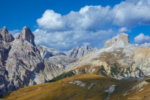 Dolomite Variations by AndreasResch